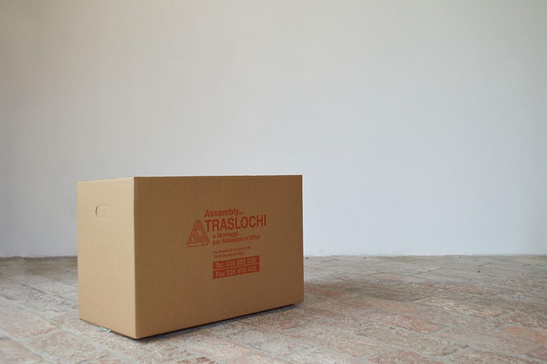 assembly group traslochi scatola rossa